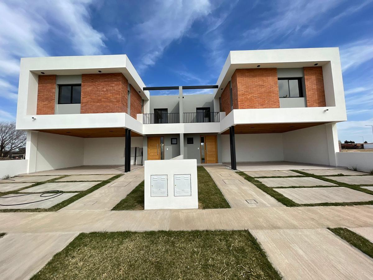 Foto PH en Venta en  San Ignacio Village,  Cordoba Capital  San Ignacio (Manantiales) -  Moderno Duplex! 3 Dorm!