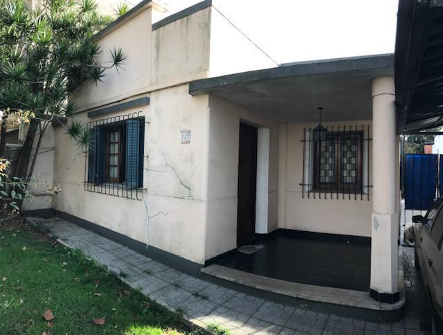 Foto Casa en Venta en  Lomas de Zamora Oeste,  Lomas De Zamora  CASTELLI 127     e.  L.N.Alem y C. Pellegrini