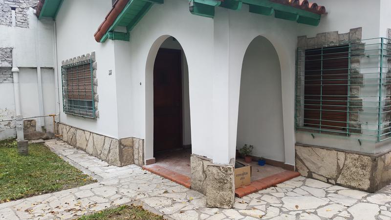 Foto Casa en Alquiler en  Lomas de Zamora Oeste,  Lomas De Zamora  BOQUERON al 700