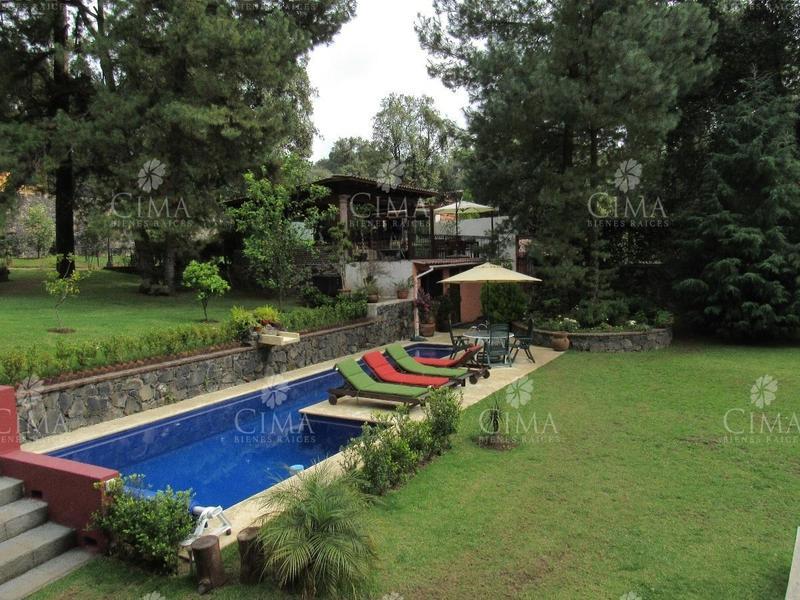 Foto Casa en Venta en  Fraccionamiento Real Monte Casino,  Huitzilac  Venta Casa con Acabados de Lujo y Alberca - V83