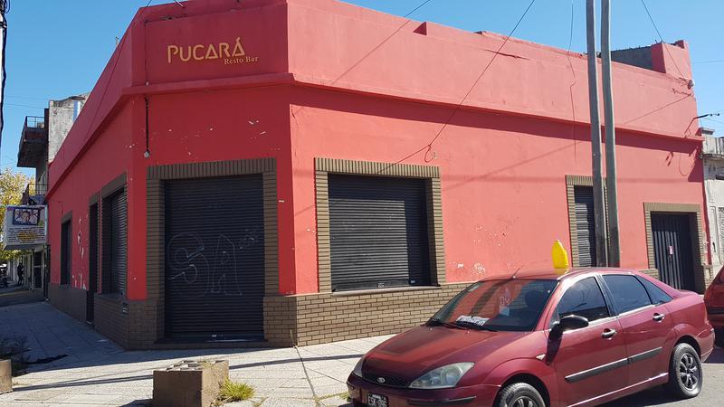 Foto Local en Alquiler | Venta en  Piñeyro,  Avellaneda  Av. Sante Fe al 1900