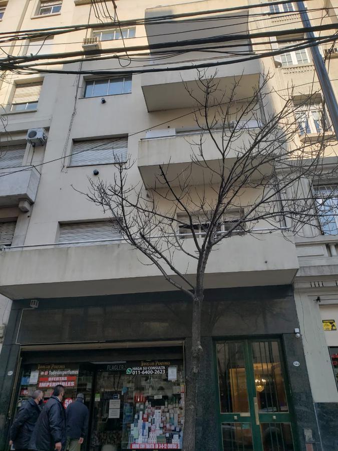 Foto Edificio Comercial en Venta en  Tribunales,  Centro (Capital Federal)  LAVALLE 1400  entre URUGUAY y PARANA