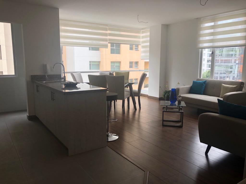 Foto Departamento en Venta en  Centro Norte,  Quito  Vendo departamento 3 dormitorios excelente ubicación - sector Carolina
