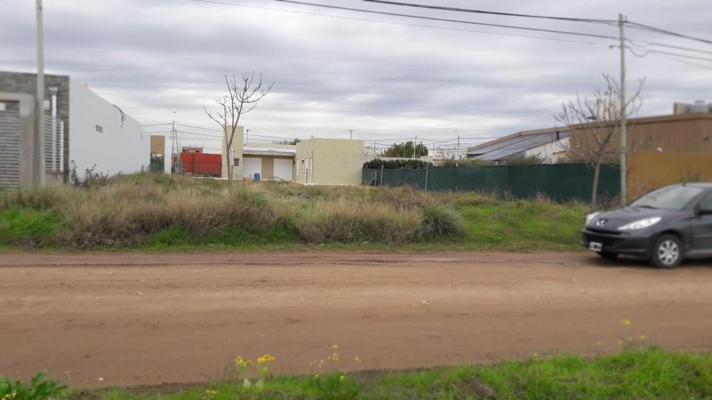 Foto Terreno en Venta en  Bahia Blanca ,  Interior Buenos Aires  Victoria al 2300 - San Agustín