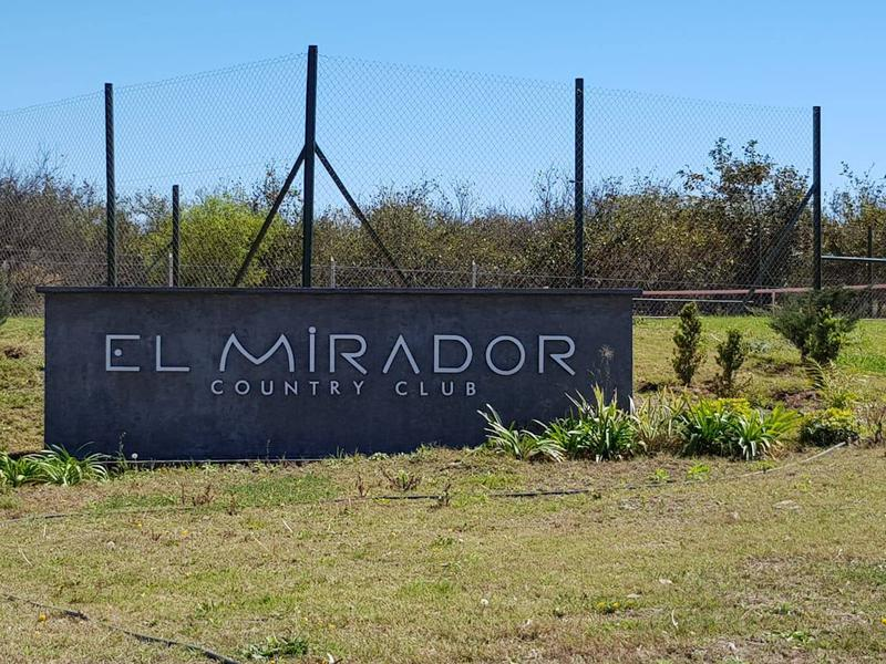 Foto Casa en Venta en  Los Nogales,  Tafi Viejo  Excelente Casa 2 DORM 400M2 -Ampliable- en Country El Mirador