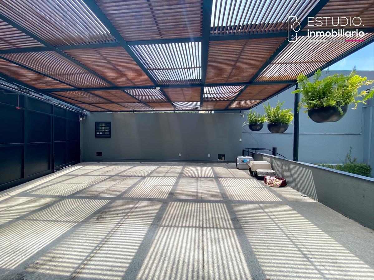 Foto Casa en Venta en  La Herradura,  Huixquilucan  CASA EN VENTA LA HERRADURA.  luminosa, amplios espacios, vista boscosa.