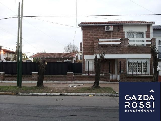 Foto Casa en Venta en  Temperley,  Lomas De Zamora  COLON  640