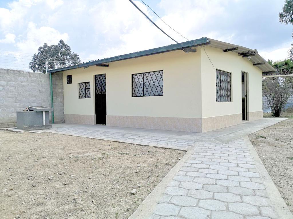 Foto Casa en Alquiler en  Calderón,  Quito  Casita Tranquila Perfecta Para Pareja - Marianitas de Calderón