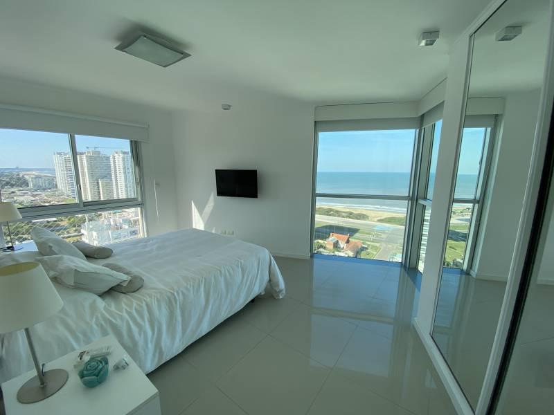 Foto Departamento en Alquiler en  Playa Brava,  Punta del Este  Torre Wind Tower - Parada  7  ALQUILER ANUAL