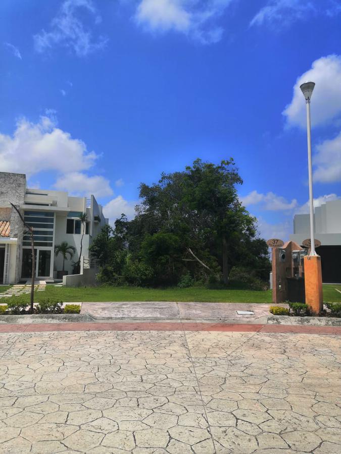 Foto Terreno en Venta en  Lagos del Sol,  Cancún  TERRENO EN VENTA EN CANCUN EN RESIDENCIAL LAGOS DEL SOL