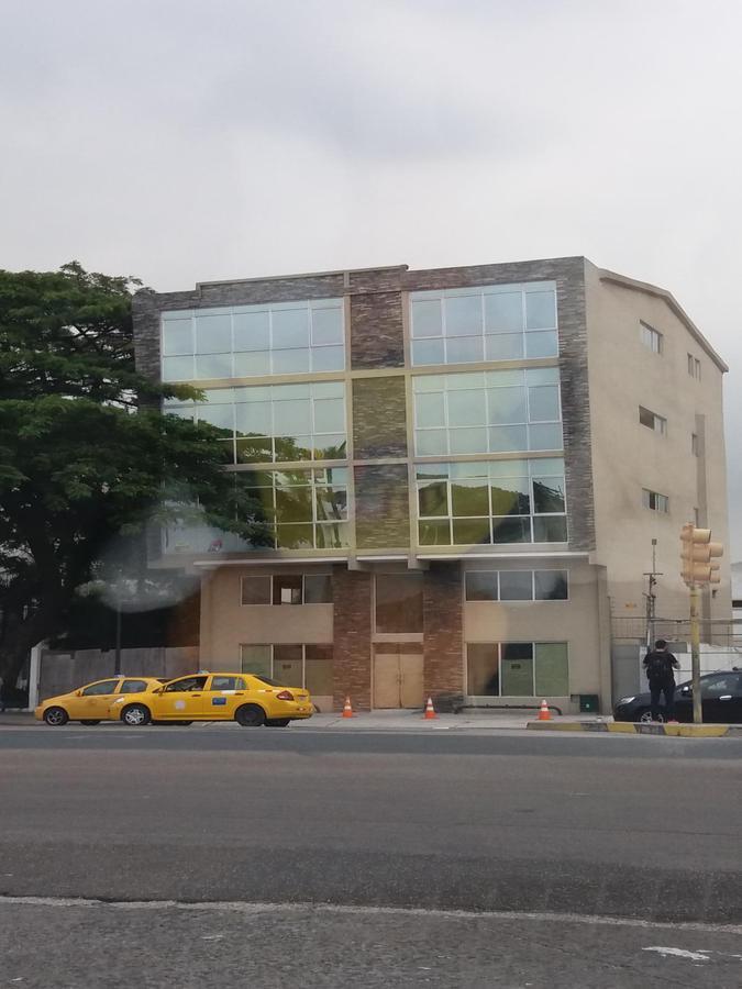 Foto Edificio Comercial en Venta | Alquiler en  Norte de Guayaquil,  Guayaquil  Av. Francisco de Orellana