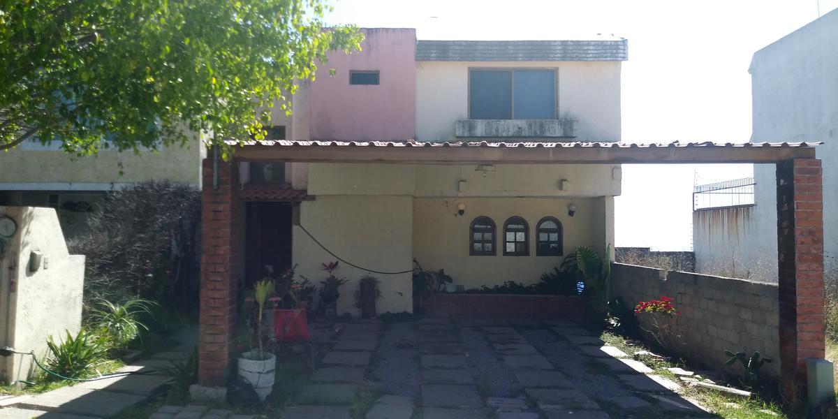 Cto. Lomas Del Valle
