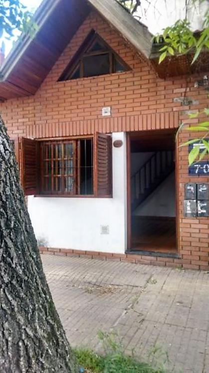 Foto PH en Venta en  La Plata ,  G.B.A. Zona Sur  8 y 70