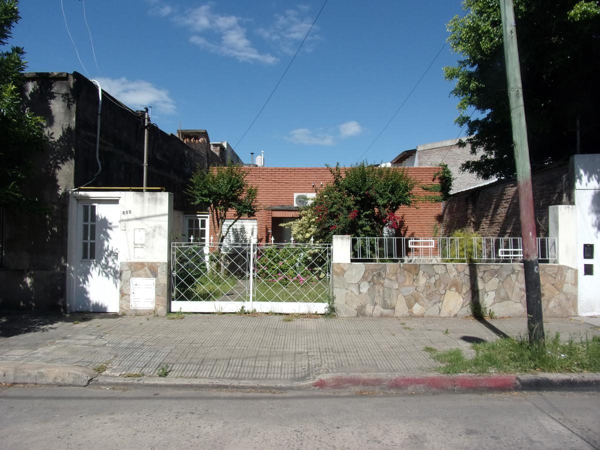 Foto Casa en Alquiler en  Azcuenaga,  Rosario          Rioja 5200