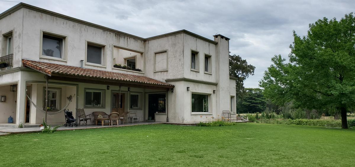 Foto Casa en Alquiler temporario en  Don Torcuato,  Tigre  Calle S/N - Hindu Club