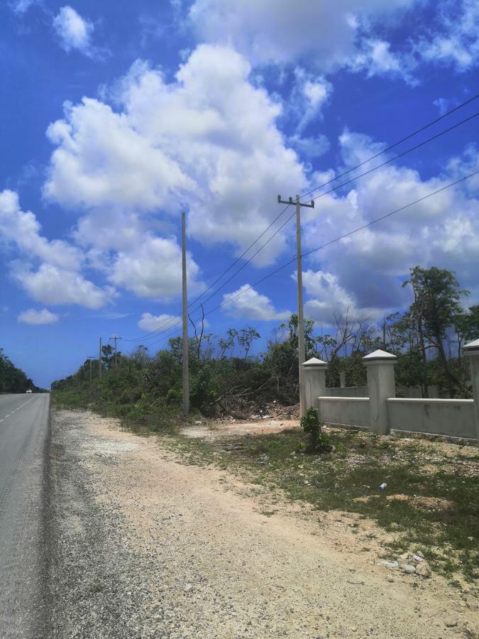 Foto Terreno en Venta en  Supermanzana 15a,  Cancún  TERRENO EN VENTA EN CANCÚN ESQUINA HUAYACÁN
