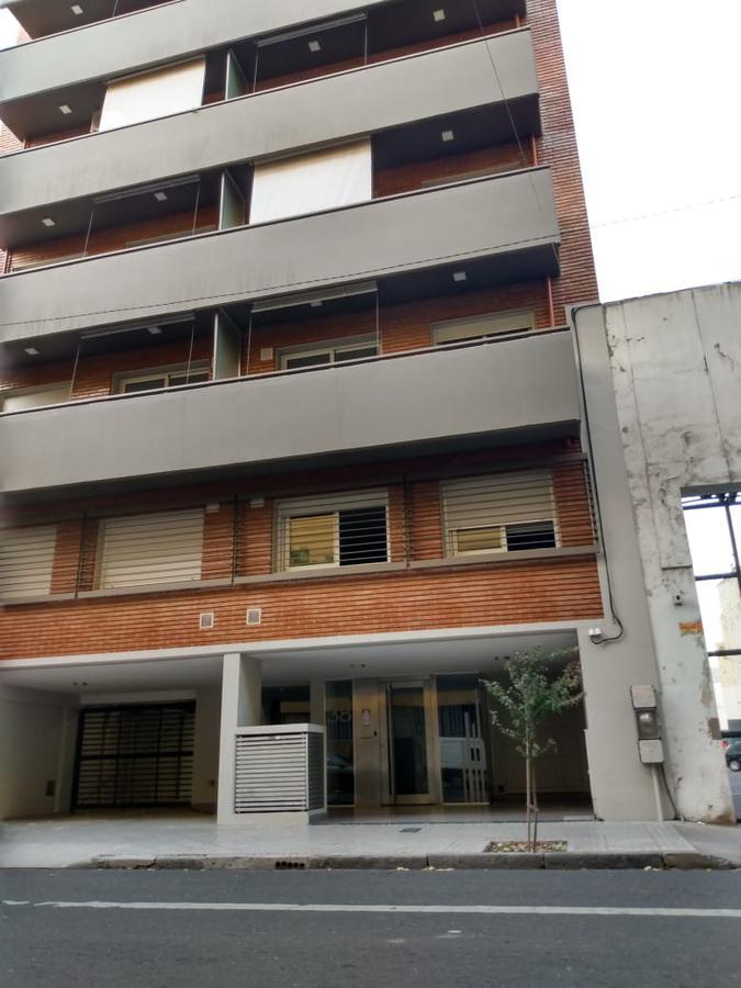 Foto Cochera en Venta en  Centro,  Rosario  LAPRIDA al 1300