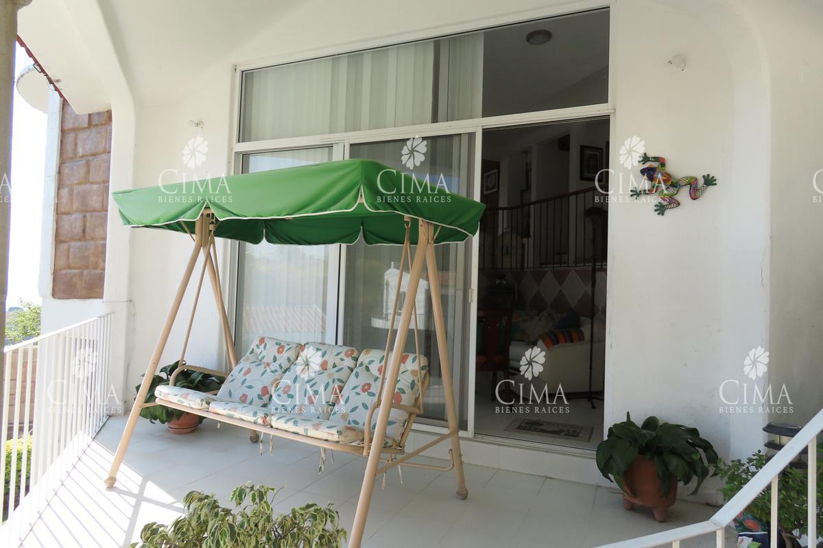 Foto Casa en condominio en Venta en  Lomas de Tetela,  Cuernavaca  VENTA CASA CON HERMOSA VISTA  -V174