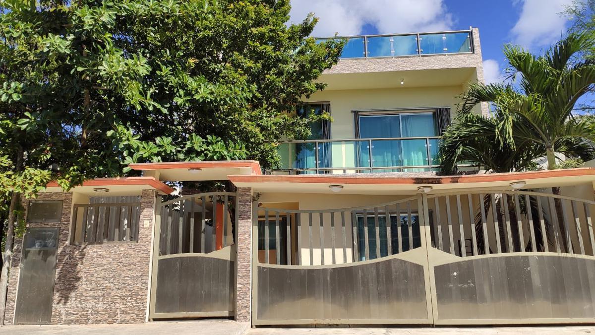 Foto Casa en Venta en  Playa del Carmen,  Solidaridad  CASA DE 4 REC. AMPLIA EN BOSQUE REAL CON TERRAZA