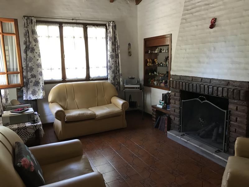 Foto Casa en Venta en  Belen De Escobar,  Escobar  Bernardo de Irigoyen y Las Casuarinas