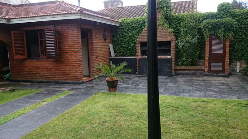 Foto Casa en Venta en  Monte Grande,  Esteban Echeverria  MIGUEL CANE al 200