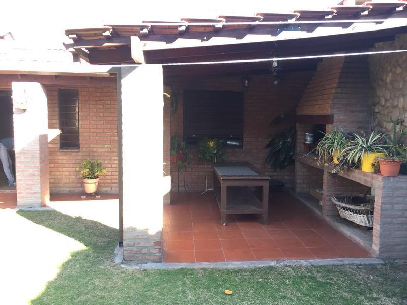 Foto Casa en Venta en  Cordoba Capital ,  Cordoba  Acapulco al 4300