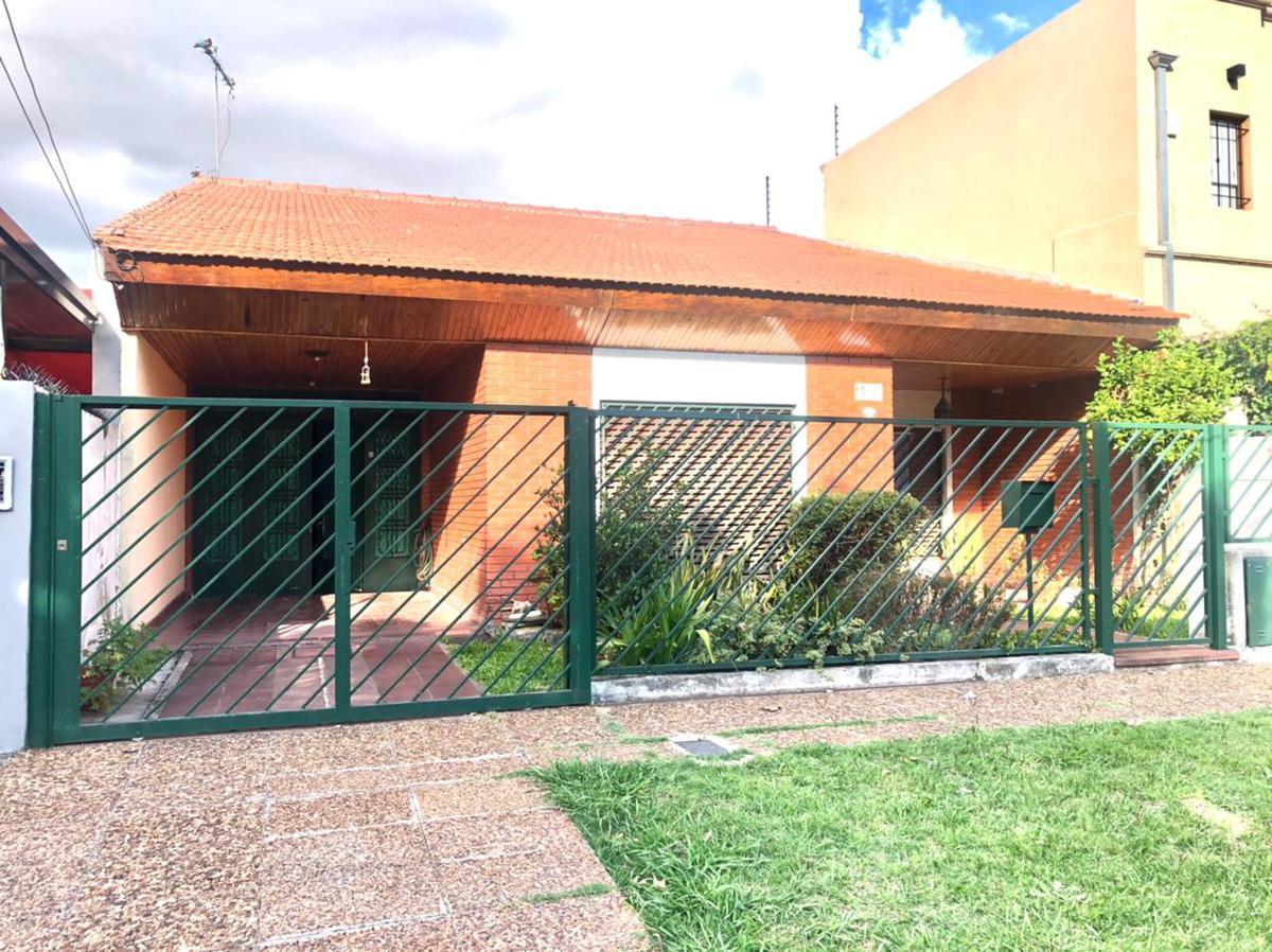 Foto Casa en Venta en  Ituzaingó Norte,  Ituzaingó  Camacua al 800
