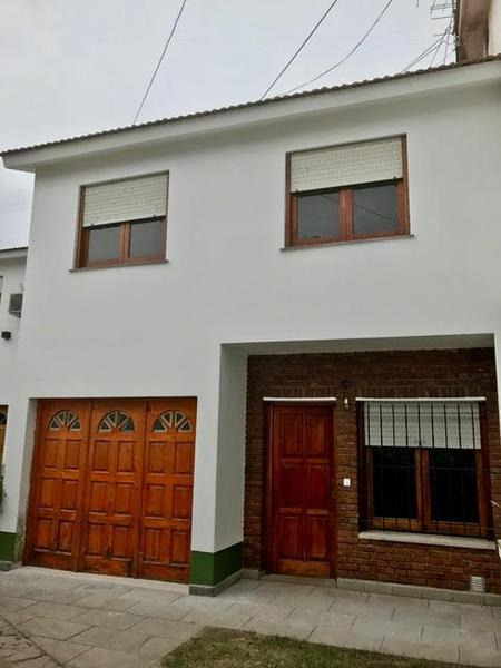 Foto Casa en Alquiler en  Monte Grande,  Esteban Echeverria  Lavalle al 500