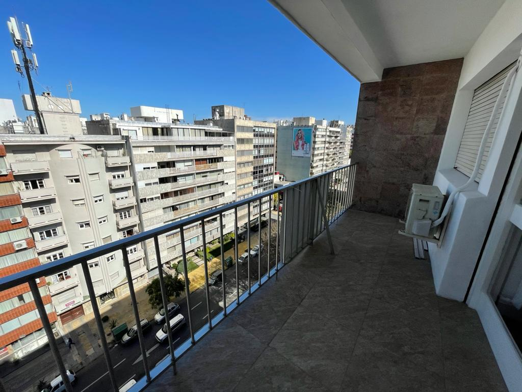 Foto Apartamento en Venta en  Punta Carretas ,  Montevideo  Bv España  al 2900