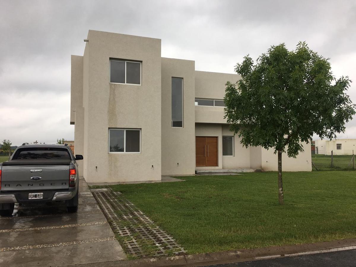 Foto Casa en Venta en  El Canton - Golf,  Countries/B.Cerrado  CANTON