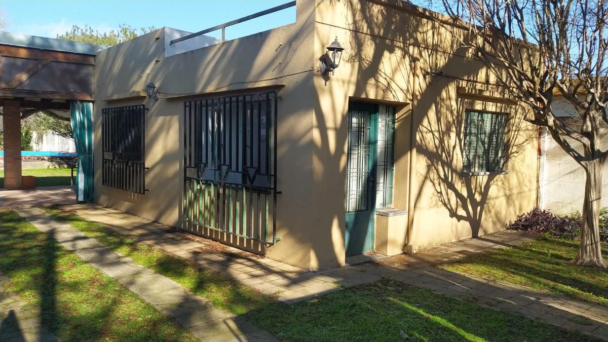 Foto Casa en Venta en  Funes ,  Santa Fe  Santa Fe al 2300