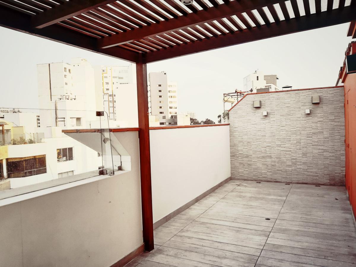 Foto Departamento en Venta en  Miraflores,  Lima  Calle Samuel Marquez 126