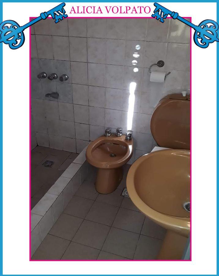Foto PH en Alquiler en  Villa Dominico,  Avellaneda  Cordero al 5100