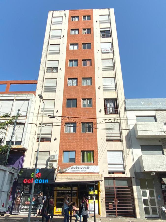 Foto Departamento en Venta en  La Plata,  La Plata  Av 60 e/1 y 2