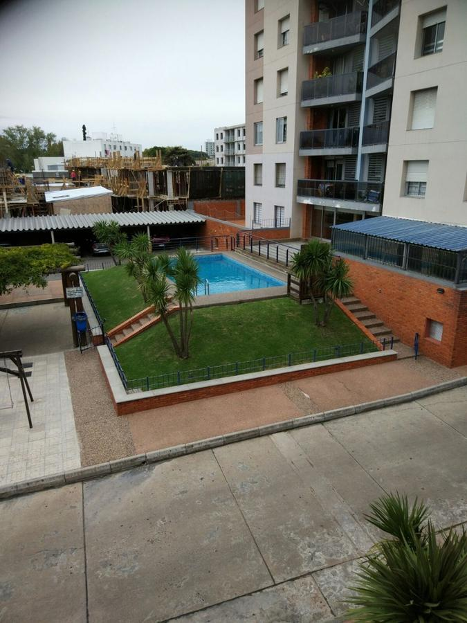 Foto Apartamento en Venta |  en  La Blanqueada ,  Montevideo  A metros de Br. Artigas - Duplex
