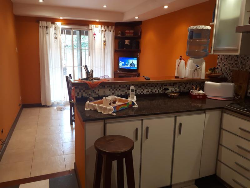 Foto Casa en Venta en  Adrogue,  Almirante Brown  ALGARROBO 122, entre Lacamera y Pilar