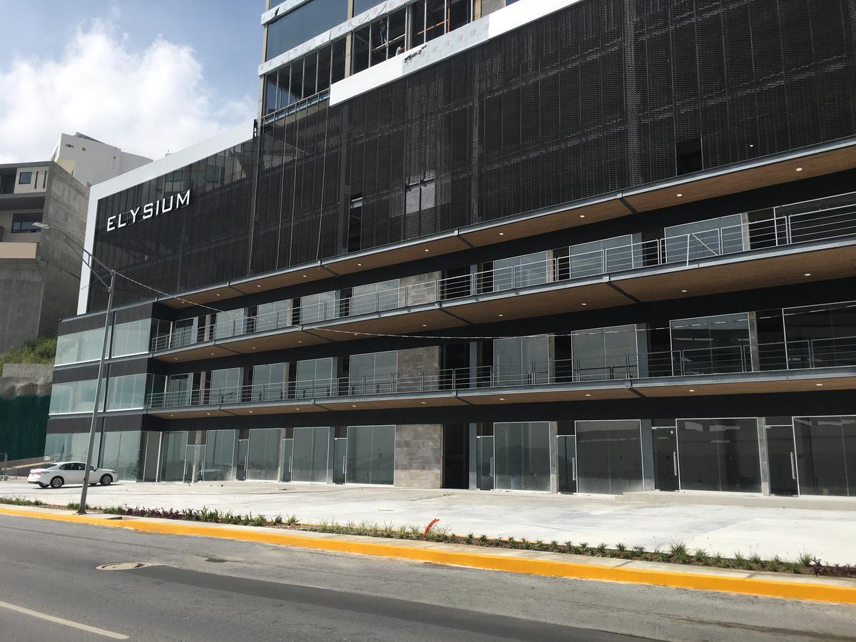 Foto Local en Venta en  Monterrey ,  Nuevo León  LOCAL EN VENTA PARA RESTAURANTE u OTRO GIRO EN AV FUNDADORES MONTERREY NUEVO LEON