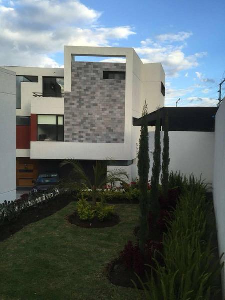 Foto Casa en Venta en  Cumbayá,  Quito  PRIMAVERA