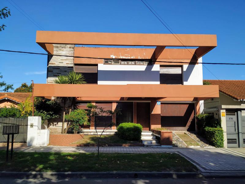 Foto Casa en Venta en  Adrogue,  Almirante Brown  Amenedo al 100