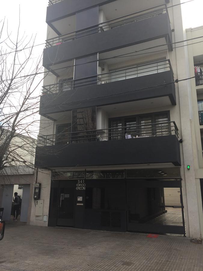 Foto Departamento en Alquiler en  La Plata ,  G.B.A. Zona Sur  63 Entre 1 y 2