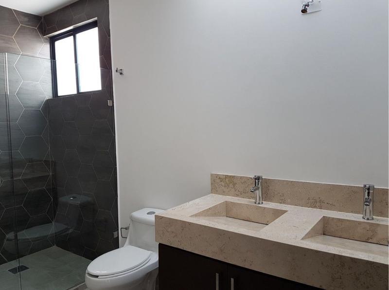 Foto Casa en Venta en  Heroica Ciudad de Huajuapan de León ,  Oaxaca  Casa en venta en Fracc. Porta Toscana/ León (Guanajuato) Urbanización