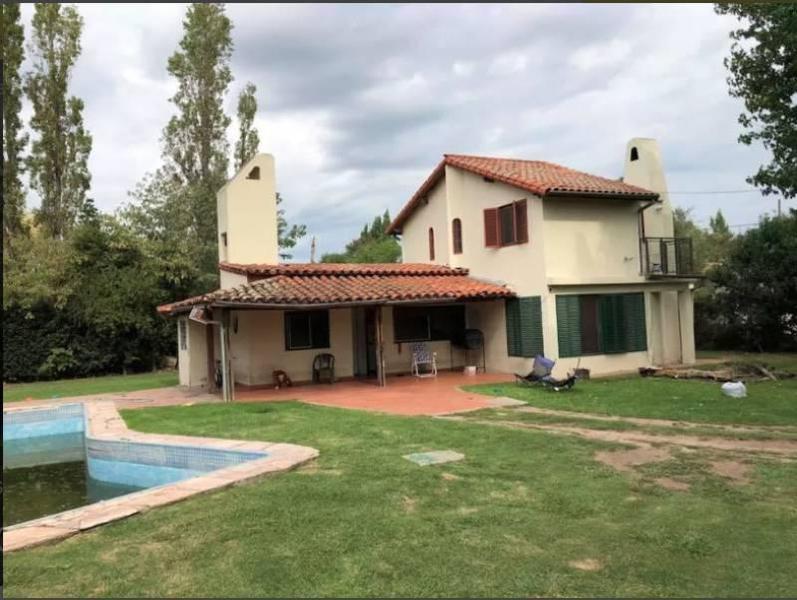 Foto Casa en Venta en  De Vicenzo Grande,  Del Viso  Santa Lucia G.C al 3000