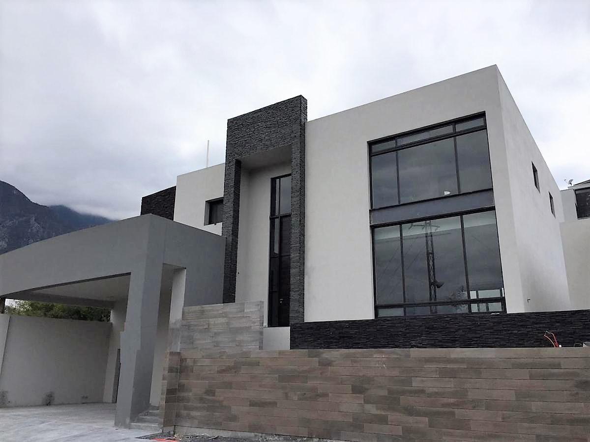 Foto Casa en Venta en  Sierra Alta 9o Sector,  Monterrey  CASA VENTA SIERRA ALTA CARRETERA NACIONAL
