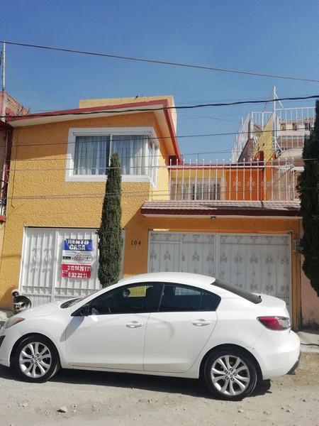 Foto Casa en Renta en  Capultitlan,  Toluca  Calle Margarita Maza de Juárez No. 104, Capultitilan.