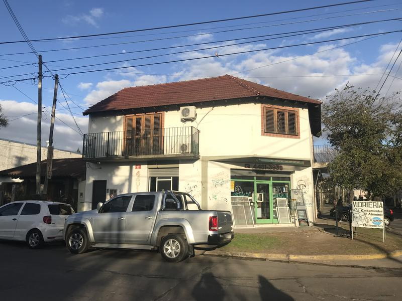 Foto Casa en Venta en  Ituzaingó Norte,  Ituzaingó  26 de Abril 3691/95/97/99