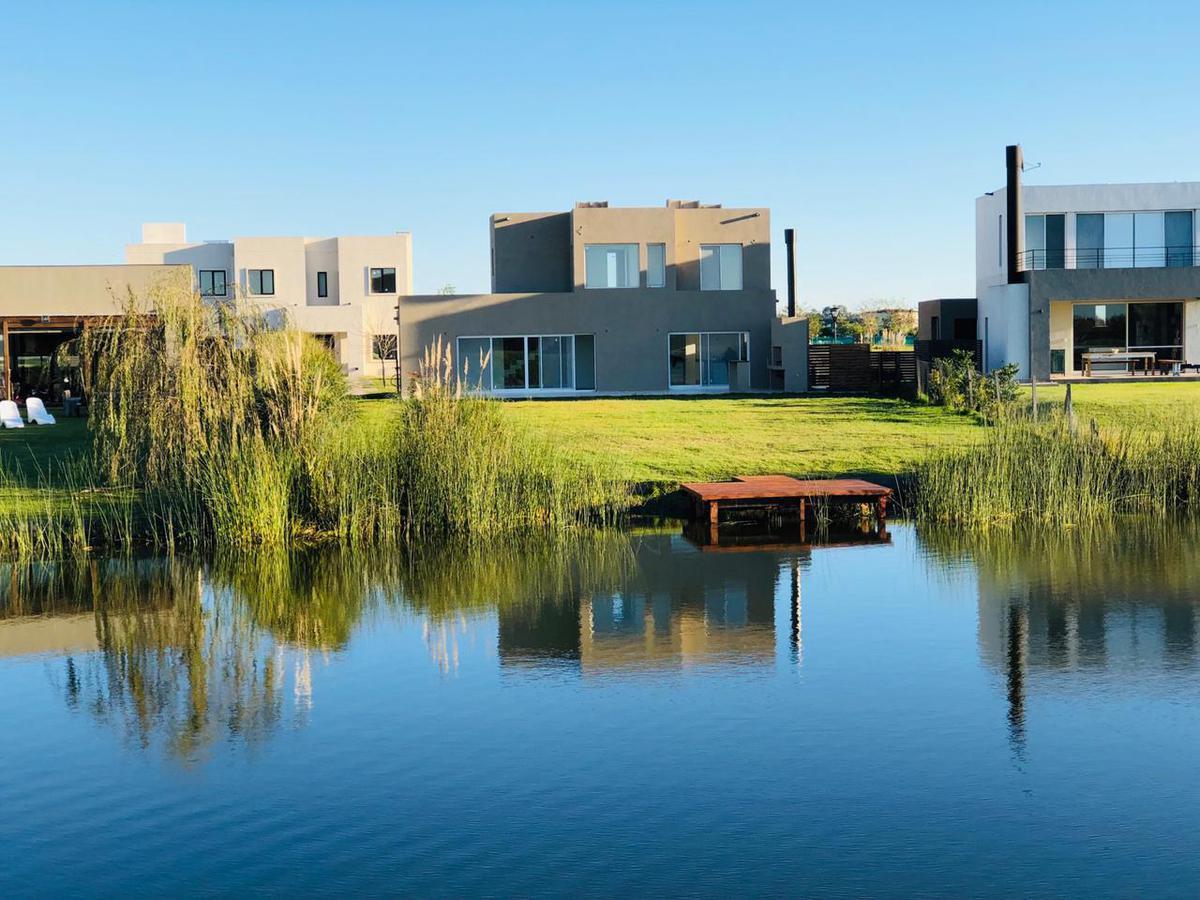 Foto Casa en Venta en  El Canton,  Countries/B.Cerrado (Escobar)  al 500