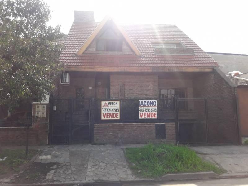 Foto Casa en Venta en  Bernal Oeste,  Quilmes  162 Nº 717 entre Cerrito y Comandante Franco