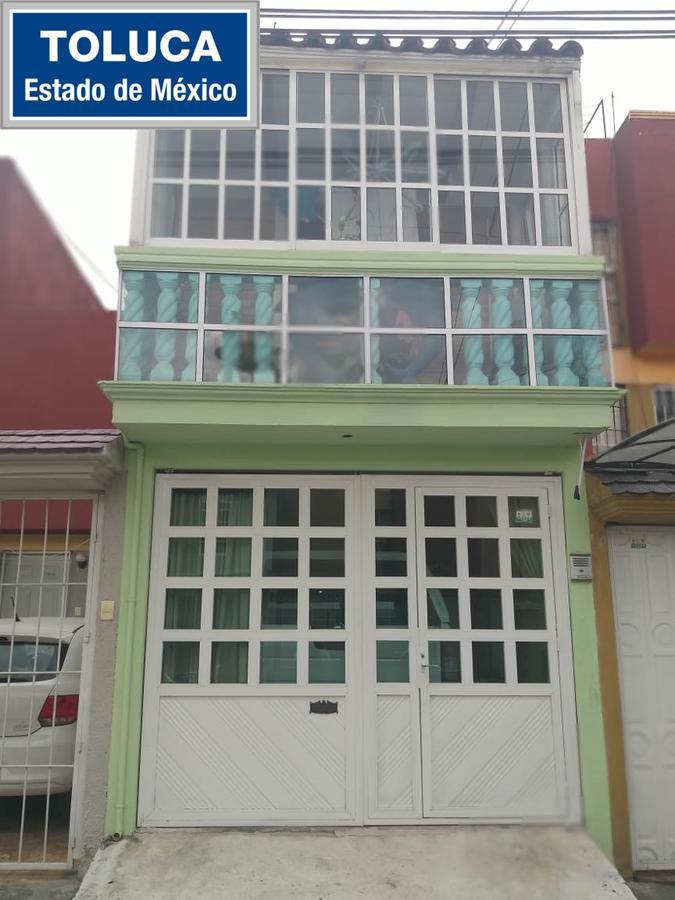 Foto Casa en condominio en Venta en  Toluca ,  Edo. de México  Casa en VENTA, Fraccionamiento Los Héroes, Toluca, Estado de México