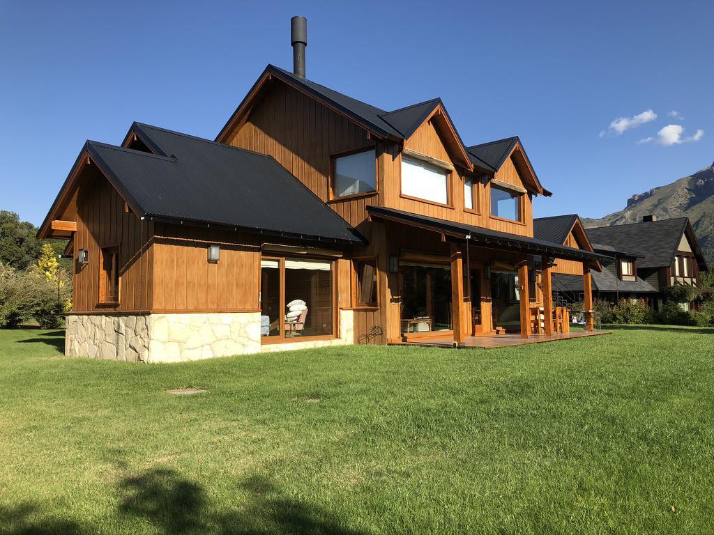 Foto Casa en Venta en  Arelauquen Golf & Country Club,  San Carlos De Bariloche  Arelauquen