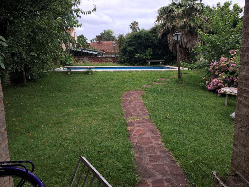Foto Casa en Venta en  Villa Adelina,  San Isidro  Los Platanos al 1700